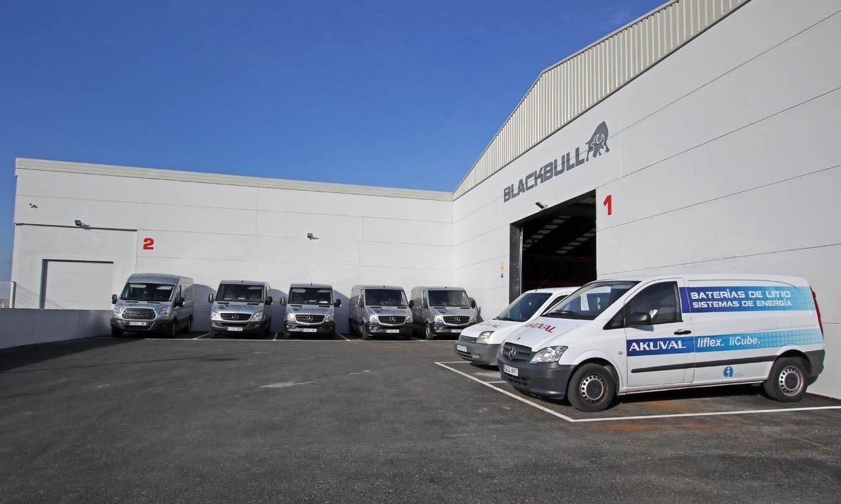 Rotulación de vehículos: furgoneta de Akuval