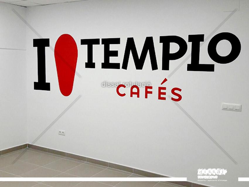 aplicación de imagen corporativa de cafés templo en interior de instalaciones