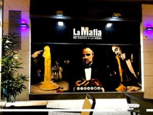 impresion exterior en vinilo laminado brillo para Restaurante La Mafia